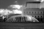 40-Genova, piazza de Ferrari -il-palazzo-dell' accademia-ligustica-dietro-la-fontana