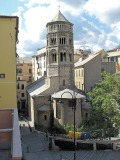 26 -Genova. Piazza San Donato dove si affaccia la chiesa Di San donato.labside e il campanile