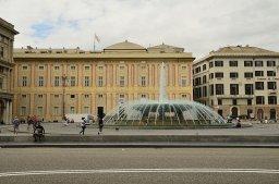44 -Genova. piazza-de-ferrari, fontana e facciata_palazzo_ducale-su-