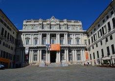45 -Genova-la-facciata-del-palazzo-ducale-su-piazza-matteotti