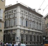 61 -Genova-Via-Garibaldi. palazzo. Il palazzo Pallavicini-Cambiaso -visto-da-piazza-fontane-marose