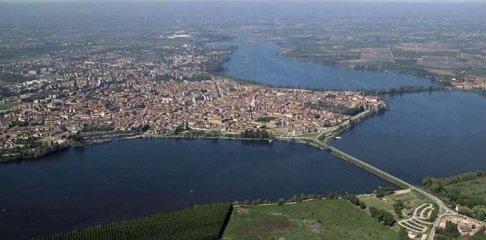 1-mantova-panorama-aereo-dei-3-laghi-