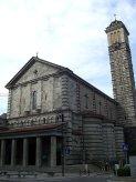 17 -Basilica di Nostra Signora della Vittoria, nei pressi del monumento ad Alessandro Manzoni. Si trova in Via Azzone Visconti e fu eretto a memoria dei caduti della Grande Guerra e concepito come voto popolare per lo scampato pericolo i lavori ebbero inizio nel 1818, e durarono fino al 1932, anno della sua consacrazione. L'edificio è caratterizzato da rivestimenti in granito alternati a pietra bianca della Val Chiavenna.