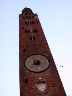 15 -Cremona, il Torrazzo, paticolare