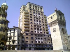 7 -Savona-piazza_Leon_Pancaldo