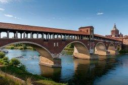 3-Pavia. Ponte Coperto sul Ticino,uno dei monumenti più caratteristici della città