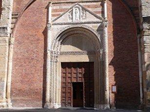 17 -Pavia. Basilica di San Pietro in Ciel d'Oro, il portale