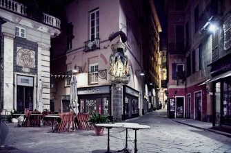6 -Savona via Pia, piazzetta