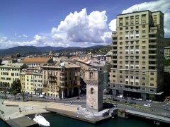 24 -Savona. Centro della città visto dal porto