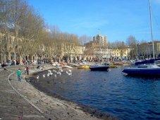 6-Il lungolago di Lecco nel centro della città-