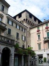 13 -Lecco.Particolare della torre Viscontea da piazza XX Settembre. La Torre Viscontea, nota anche come Torre medievale, è l'unica testimonianza visibile dell'antica fortezza del grande castello nel borgo di Lecco in epoca medievale.