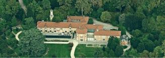 16 -Varese. Vista dall'alto, la Villa Mirabello villa situata all'interno del complesso dei giardini del Palazzo Estense, edificata nel corso del XVIII