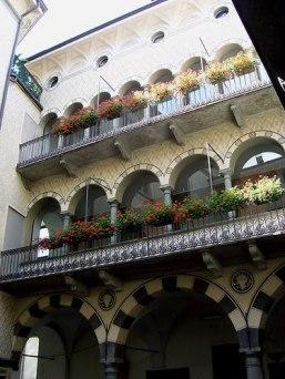 9 -Sondrio - Cortile interno del Palazzo Pretorio (Municipio)