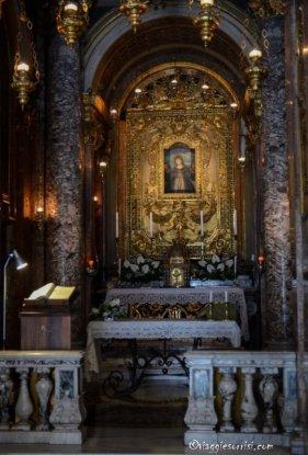 14-Macerata. Altare della Madonna della Misericordia, dettaglio.