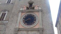 21 -Macerata. Torre dei Tempi con Orologio Planetario, particolare