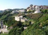 23 -Ancona, altra veduta del Passetto con veduta del monumento dei caduti.