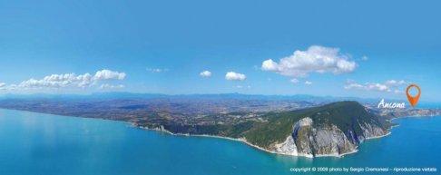 1 -Ancona nella Riviera del Conero città di mare e di scoperte.
