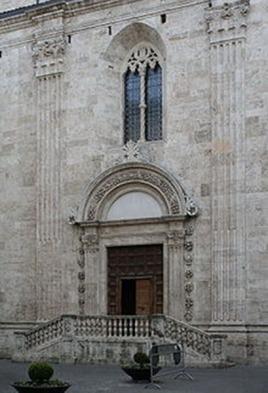 12 -Ascoli Piceno Piazza Arringo, porta della Musa. La facciata del duomo, dettaglio