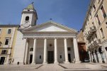 8 -Campobasso. La cattedrale metropolitana della Santissima Trinità è il principale luogo di culto cattolico della città.
