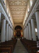 9 -Campobasso. Interno Cattedrale della Santissima Trinità, è diviso in tre ampie navate e contiene un affresco di buon livello di Romeo Musa raffigurante la Pentecoste.