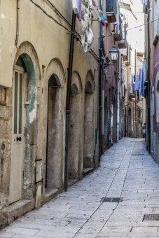6 -Vicolo del centro storico di Isernia