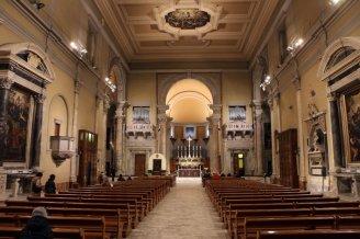 10 -Livorno. In Piazza Grande il Duomo, interno, dove si può vedere Cristo coronato di spine del Beato Angelico (Cappella del Santissimo Sacramento).