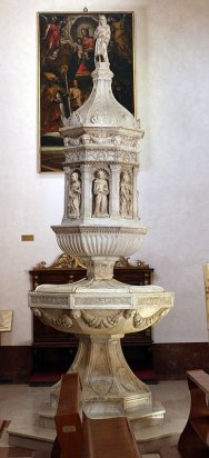 15 -Duomo di Grosseto, l'interno, Antonio Ghini, Fonte battesimale (1475 circa).