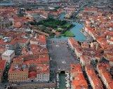 16 -Livorno. Fortezza Nuova, in basso ben visibile la grande Piazza della Repubblica.