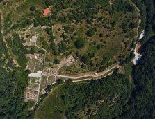 29 -Grosseto. A otto km dalla città, l'area archeologica della città etrusca di Roselle, fondata prima del VII° sec. a. C.,