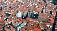 3 -Pistoia, panorama sul centro storico dove è ben visibile Piazza Duomo e la Cattedrale.