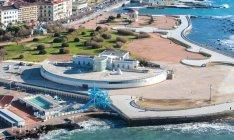 5-Livorno. Lungomare, la Terrazza Mascagni dove al suo all'interno è situato l' Acquario della città.