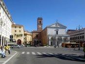 8 -Livorno. Piazza Grande situata nel centro della città voluta dai Medici nel XVI secolo sulla quale sorgono alcuni importanti edifici quali il Duomo ed il Palazzo Grande (oggi palazzo comunale).