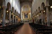 5 -Pistoia. Cattedrale di San Zeno, interno.
