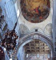 14 -Pisa. La cosiddetta Lampada di Galileo e la cupola del duomo