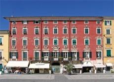 14- Carrara-piazza- alberica-palazzo-Brambilla-