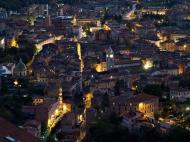4-Carrara - veduta notturna centro storico
